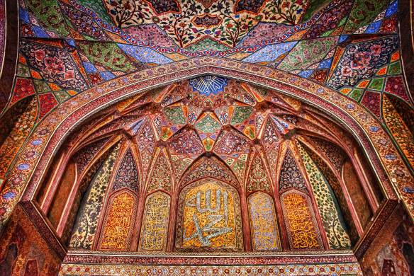 Fresco_art_of_wzir_khan_mosque